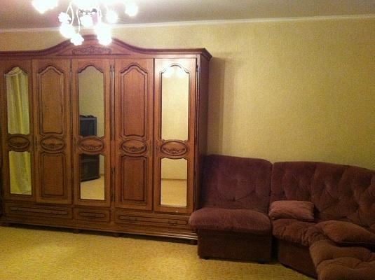 2-комнатная квартира посуточно в Херсоне. Суворовский район, ул. Московская, 5. Фото 1