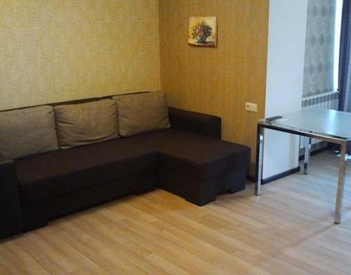 2-комнатная квартира посуточно в Севастополе. Гагаринский район, ул. Юмашева, 19. Фото 1