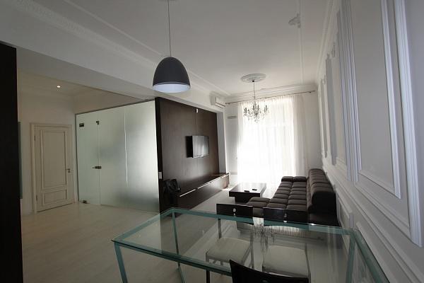 3-комнатная квартира посуточно в Киеве. Печерский район, Крещатик, 23. Фото 1