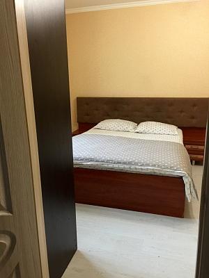 3-комнатная квартира посуточно в Киеве. Дарницкий район, Княжий Затон, 9. Фото 1
