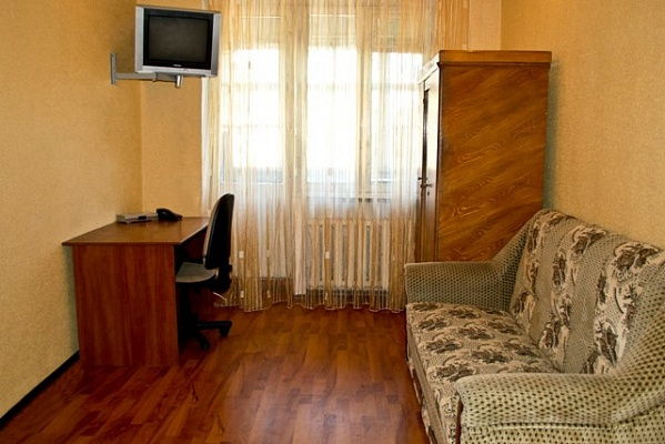1-комнатная квартира посуточно в Киеве. Днепровский район, пр-т Мира, 6. Фото 1