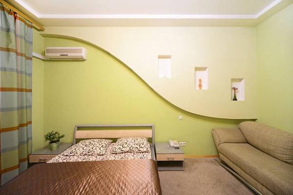 1-комнатная квартира посуточно в Киеве. Печерский район, ул. Саксаганского, 12Б. Фото 1