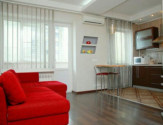 2-комнатная квартира посуточно в Киеве. Голосеевский район, ул. Большая Васильковская, 118. Фото 1
