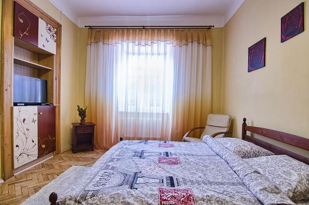 2-комнатная квартира посуточно в Львове. Галицкий район, ул. Староеврейская, 4. Фото 1