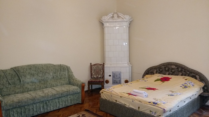 2-комнатная квартира посуточно в Львове. Галицкий район, ул. Нижанковского, 7. Фото 1