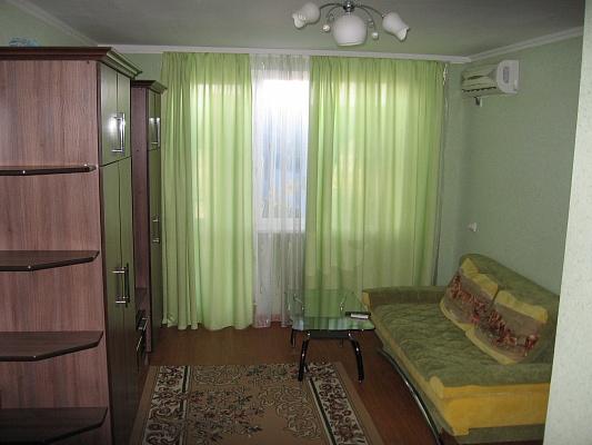 1-комнатная квартира посуточно в Луцке. ул. Клыма Савура. Фото 1