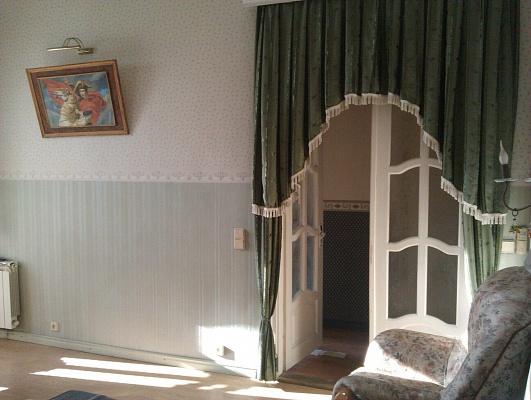 1-комнатная квартира посуточно в Черновцах. Шевченковский район, ул. Богдана Хмельницкого, 34. Фото 1