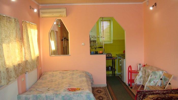 1-комнатная квартира посуточно в Берегово. ул. Суворова, 12. Фото 1