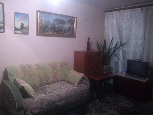 1-комнатная квартира посуточно в Северодонецке. ул. Танкистов, 28а. Фото 1