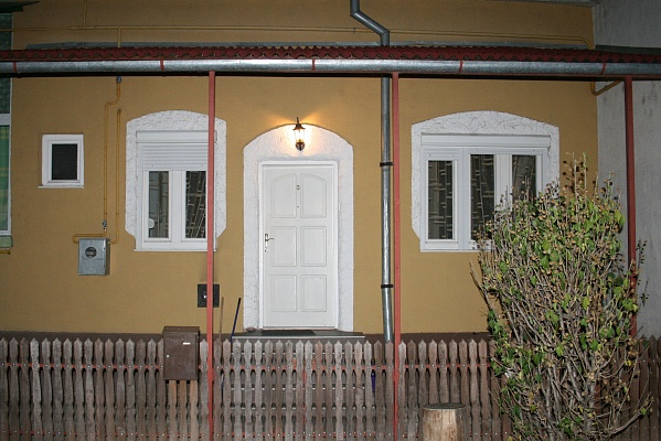 2-комнатная квартира посуточно в Берегово. ул. Бетлена, 12. Фото 1