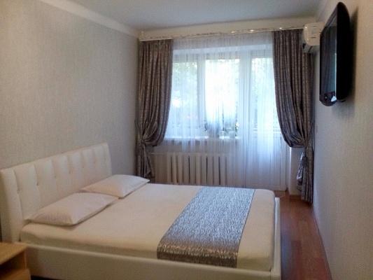 1-комнатная квартира посуточно в Одессе. Приморский район, ул. Княжеская, 3. Фото 1