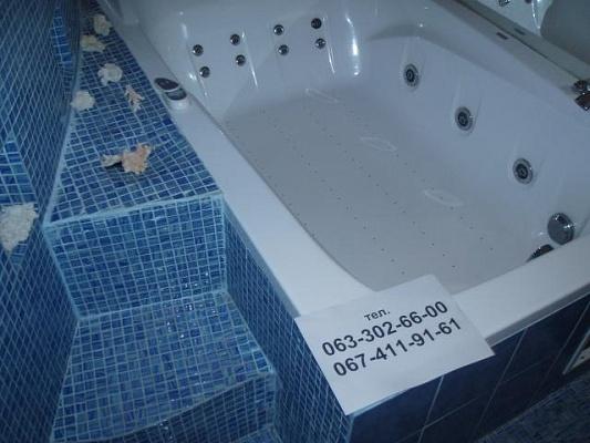 2-комнатная квартира посуточно в Житомире. ул. Небесной Сотни (Московская), 56-А. Фото 1