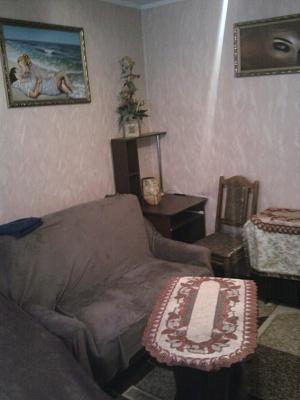 1-комнатная квартира посуточно в Ровно. ул. Галицкого, 5. Фото 1