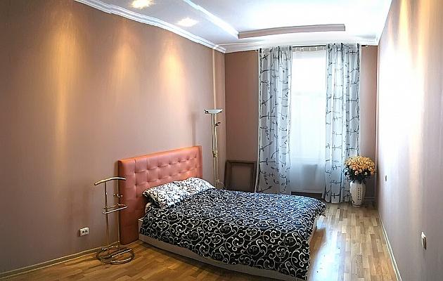 1-комнатная квартира посуточно в Львове. Галицкий район, ул. И.Франко, 15. Фото 1