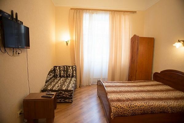 1-комнатная квартира посуточно в Львове. Галицкий район, ул. Б. Хмельницького, 23. Фото 1