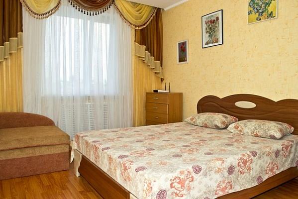 2-комнатная квартира посуточно в Киеве. Днепровский район, б-р Верховного Совета, 14Б. Фото 1