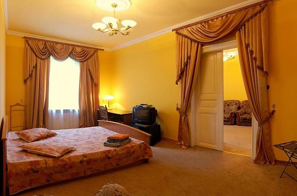 2-комнатная квартира посуточно в Львове. Галицкий район, ул. Бандеры, 9. Фото 1