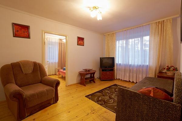 2-комнатная квартира посуточно в Львове. Лычаковский район, ул. Самийленка, 36. Фото 1