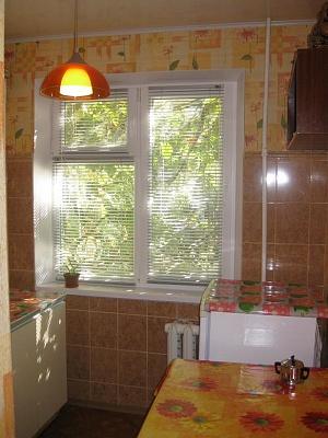 2-комнатная квартира посуточно в Керчи. ул. Юных Ленинцев, 3. Фото 1