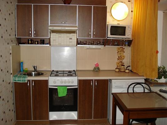 1-комнатная квартира посуточно в Бердянске. ул. Пушкина, 14. Фото 1