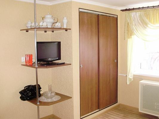 1-комнатная квартира посуточно в Каменце-Подольском. ул. Северная, 75. Фото 1