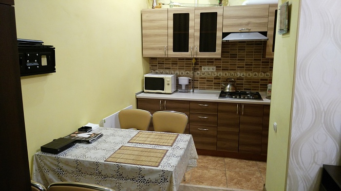 1-комнатная квартира посуточно в Львове. Галицкий район, ул. Краковская, 30. Фото 1