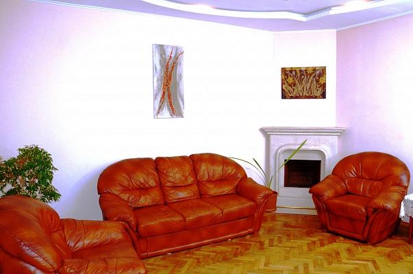 3-комнатная квартира посуточно в Львове. Зализнычный район, ул. Железнодорожная, 14. Фото 1
