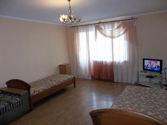 3-комнатная квартира посуточно в Черкассах. б-р Шевченко, 135. Фото 1