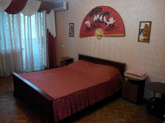 1-комнатная квартира посуточно в Николаеве. Центральный район, ул. 3-тья Слободская (Дзержинского), 54. Фото 1