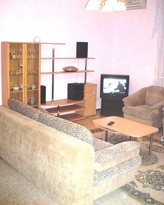 2-комнатная квартира посуточно в Харькове. ул. Отакара Яроша, 43. Фото 1