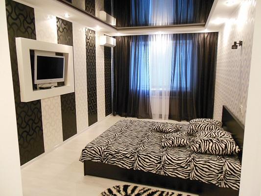 1-комнатная квартира посуточно в Кривом Роге. Саксаганский район, пр-т Мира, 41. Фото 1
