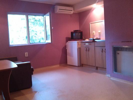 1-комнатная квартира посуточно в Бердянске. ул. Дюмина, 82. Фото 1