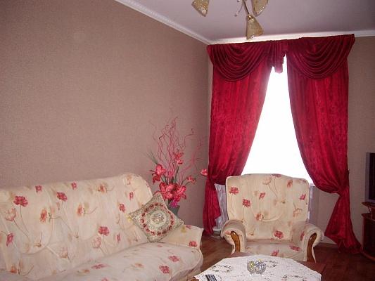 2-комнатная квартира посуточно в Николаеве. Центральный район, ул. Московская, 4а. Фото 1