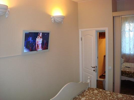 1-комнатная квартира посуточно в Борисполе. ул. Головатого, 56а. Фото 1