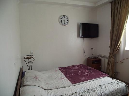 1-комнатная квартира посуточно в Трускавце. ул. Кравченко, 3. Фото 1