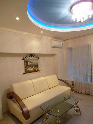1-комнатная квартира посуточно в Одессе. Приморский район, ул. Базарная, 69. Фото 1