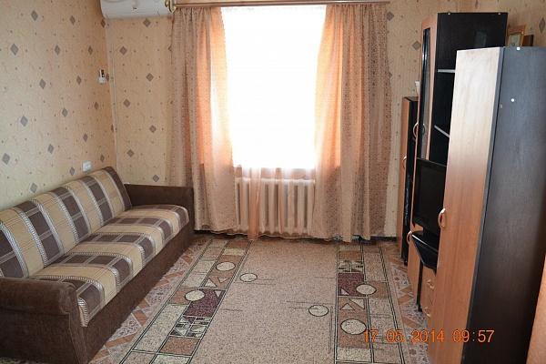 1-комнатная квартира посуточно в Бердянске. пр-т Пролетарский, 228. Фото 1
