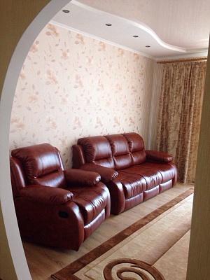 2-комнатная квартира посуточно в Новой Каховке. пр-т Победы, 12б. Фото 1