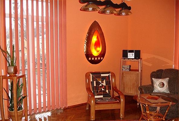 2-комнатная квартира посуточно в Чернигове. Деснянский район, ул. Пятницкая, 11. Фото 1