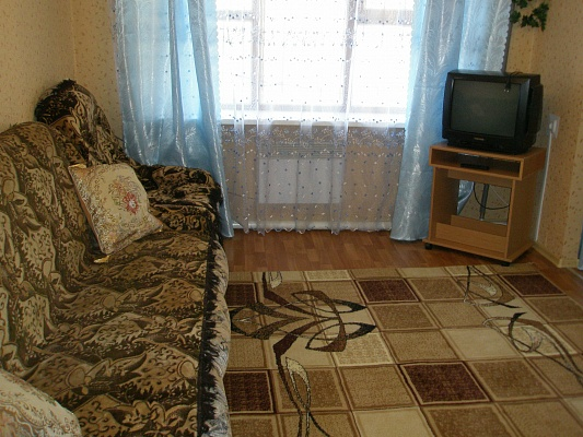 1-комнатная квартира посуточно в Макеевке. пр-т Ленина, 156. Фото 1