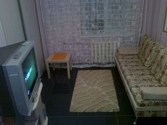 2-комнатная квартира посуточно в Кировограде. Кировский район, пр-т Победы, 6. Фото 1