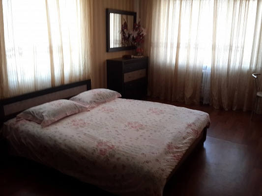 1-комнатная квартира посуточно в Кременчуге. ул. 60-летия Октября, 32. Фото 1