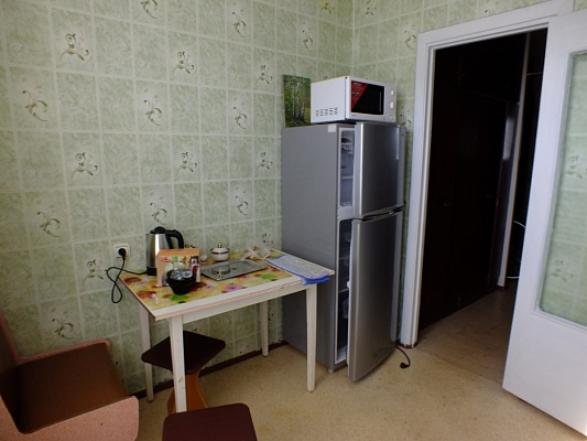 2-комнатная квартира посуточно в Энергодаре. ул. Молодежная (Комсомольская), 77. Фото 1