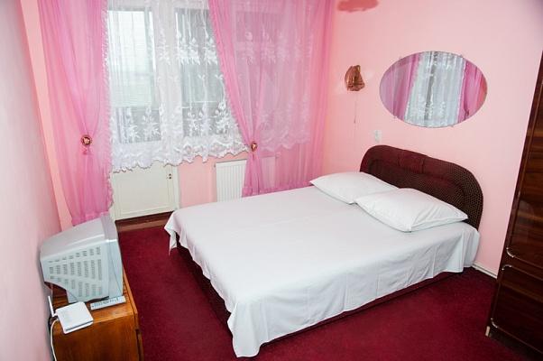 3-комнатная квартира посуточно в Черкассах. ул. 30-летия Победы, 42. Фото 1