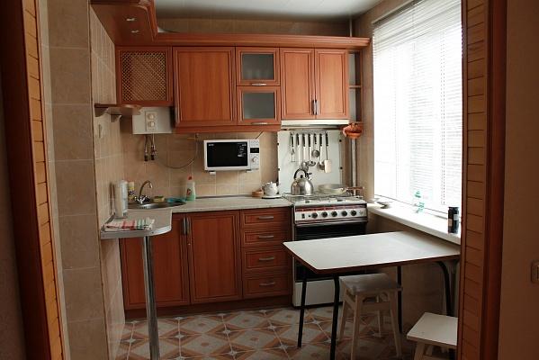 2-комнатная квартира посуточно в Ялте. ул. Киевская, 7. Фото 1