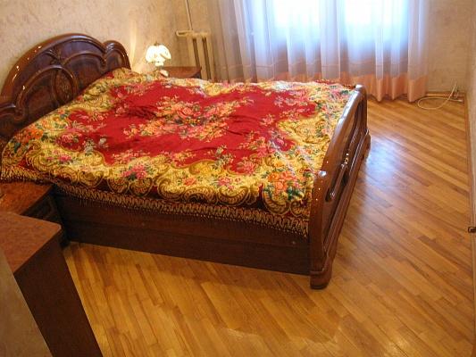 3-комнатная квартира посуточно в Севастополе. Ленинский район, ул. Ленина, 47. Фото 1