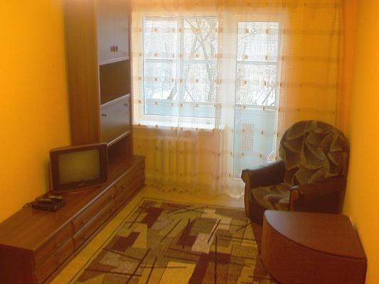 2-комнатная квартира посуточно в Кривом Роге. Дзержинский район, ул. Косиора, 25. Фото 1