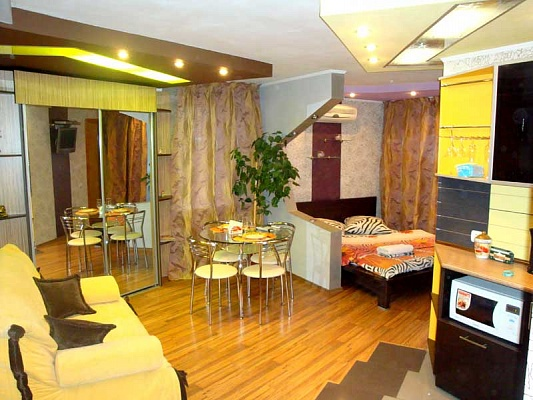 1-комнатная квартира посуточно в Херсоне. Суворовский район, ул. Тираспольская, 2-а. Фото 1