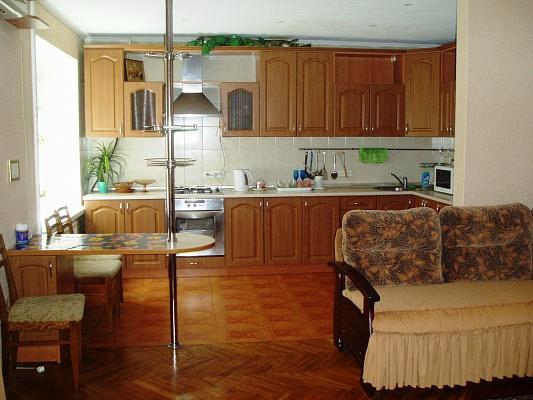 3-комнатная квартира посуточно в Киеве. Соломенский район, ул. Ивана Клименко, 26. Фото 1