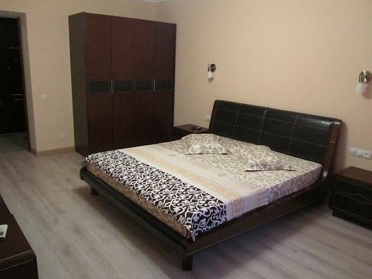 2-комнатная квартира посуточно в Одессе. Киевский район, ул. Авдеева-Черном, 2б. Фото 1